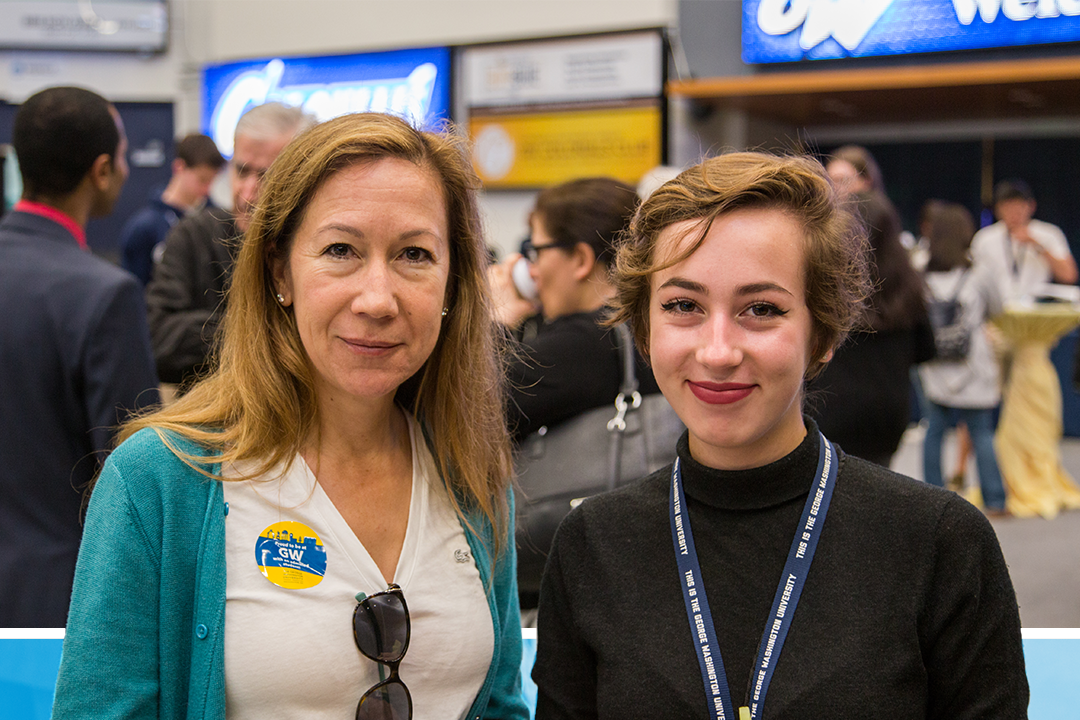 A prospective student and a mother at the GW admitted students event