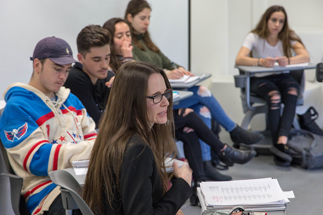 Stephanie Travis' (foreground) in class with freshmen (left to right) Jamie Oakley, Jason Katz, Bailee Weisz and Kimmie Krane.