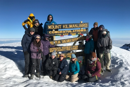 :A team of GW students climbed to the top of Mount Kilimanjaro